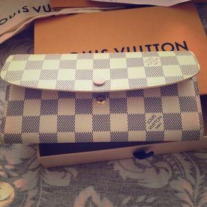 Louis Vuitton 100% authentic emilie wallet